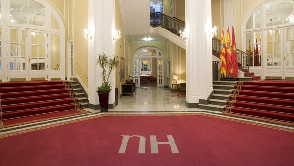 Cargo_NH_hoteles_dentro